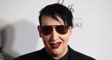 ¡Llévele, llévele! Marilyn Manson vende dildos con la forma de su cara...