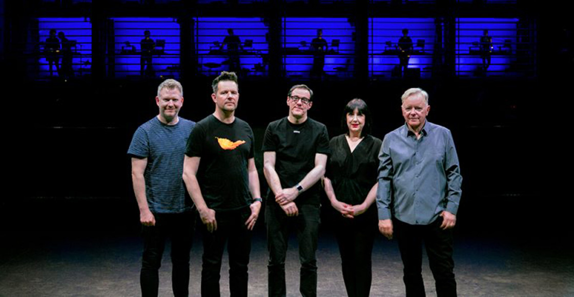 Mira completo 'Decades', el documental de New Order sobre 'So It Goes'