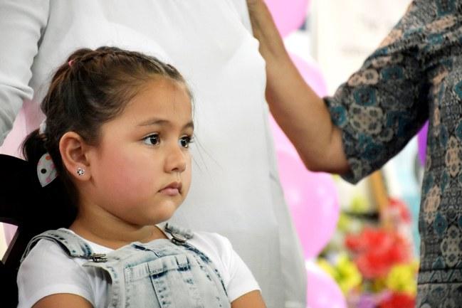 niña-helen-migrante-derechos-5-años