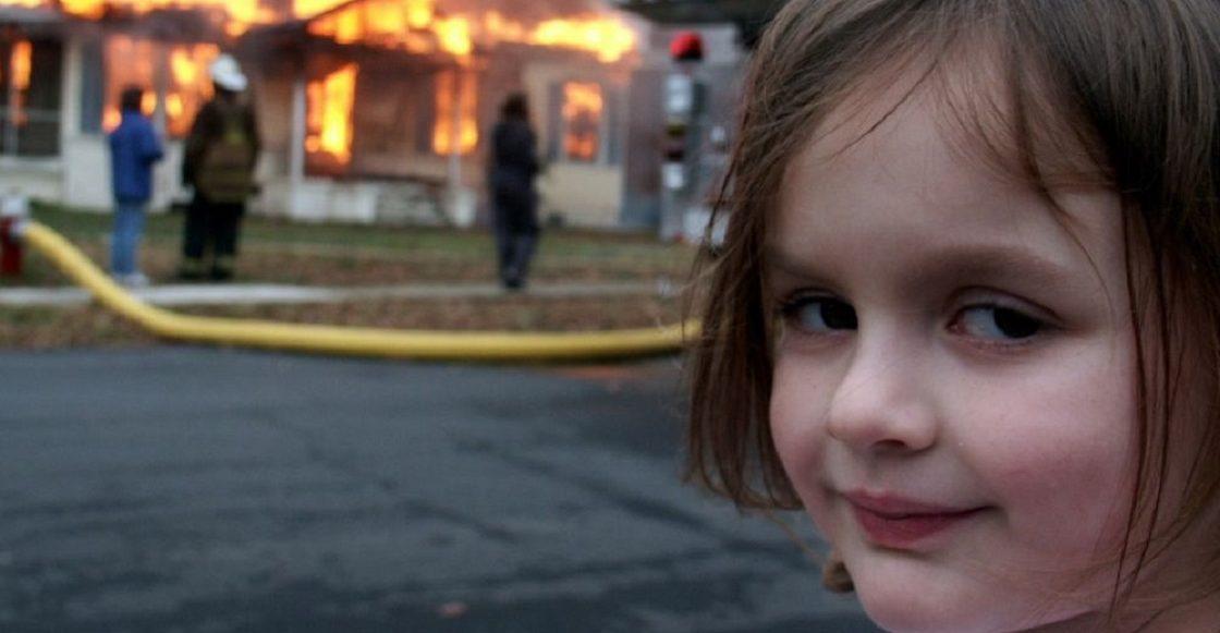 Disaster Girl – El meme de la niña que sonríe frente a un incendio