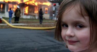 Por fin explican la historia detrás del caótico meme de esta niña