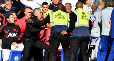 ¡Se encendió! La polémica pelea entre Mourinho y el asistente de Maurizio Sarri