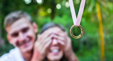 Vale más un buen amor: Le pide matrimonio con un Lamborghini y lo batean