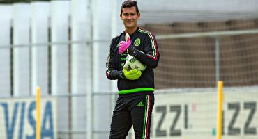 ¡Tráiganme a Ochoa! Gudiño aseguró que peleará titularidad en la Selección Mexicana