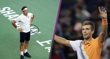 ¡Cayó 'su majestad'! Roger Federer es eliminado del Masters de Shanghái por Borna Coric