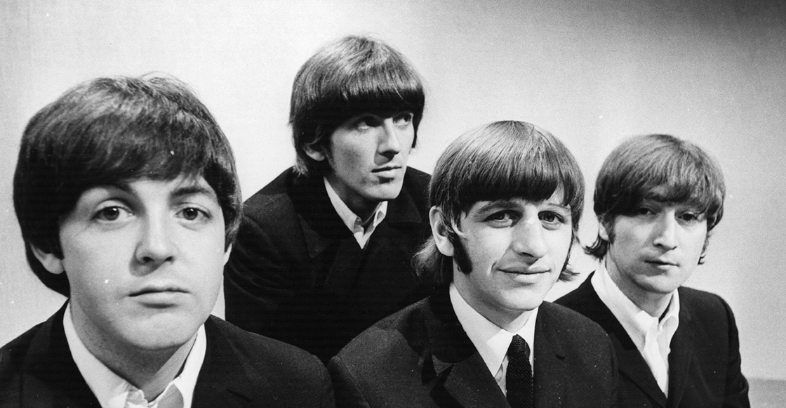 Escucha la versión inédita de 'While My Guitar Gently Weeps' de The Beatles