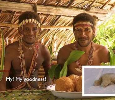 Así reaccionó esta tribu al ver a los osos polares de Planet Earth
