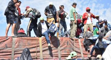 Migrantes salen de Jalisco, acusan que el gobierno los abandonó
