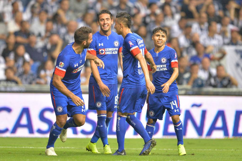 Cruz Azul recupera el liderato tras vencer a Pumas en CU