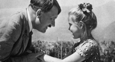 Esta la historia detrás de la foto de Adolf Hitler y la pequeña niña judía