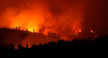 Van al menos 31 fallecidos por los incendios forestales en California