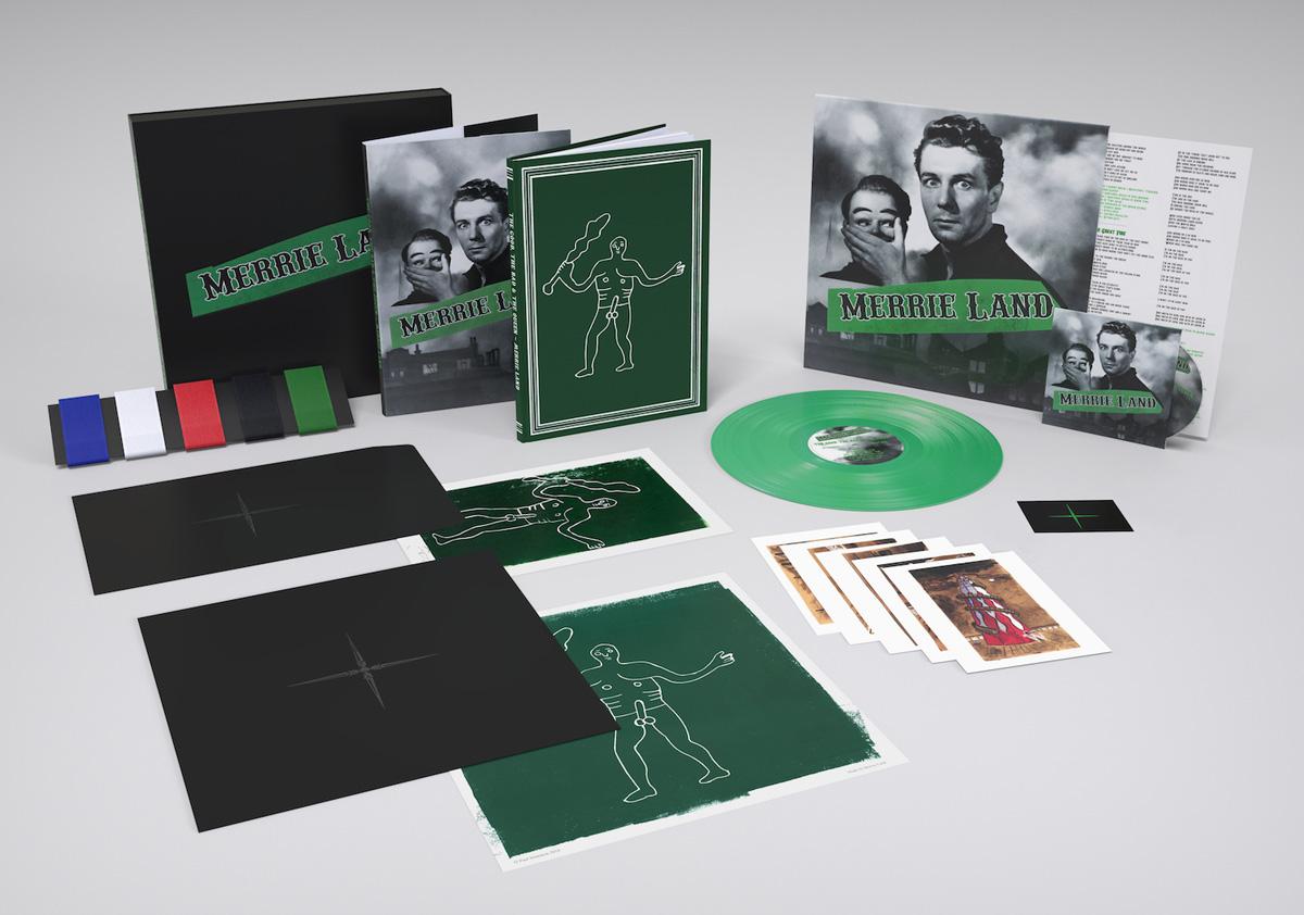 Empaque de la edición especial de 'Merrie Land' segundo álbum de The Good The Bad & The Queen