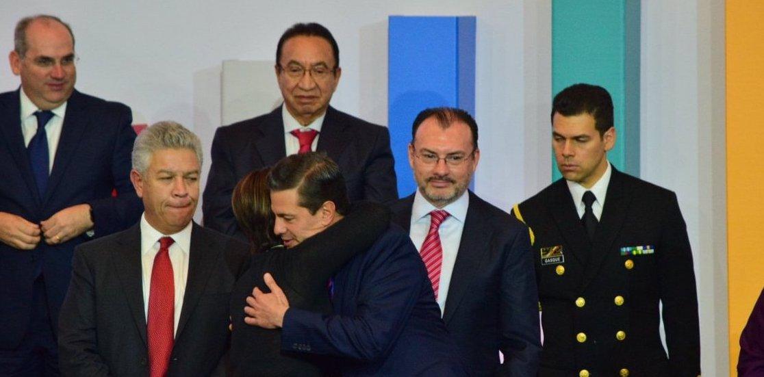 Listos para cantar las golondrinas: 'Gracias por su confianza y cariño', dice Robles a EPN