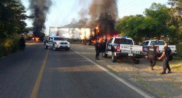 Bloqueos y un muerto deja enfrentamiento armado en Tomatlán, Jalisco