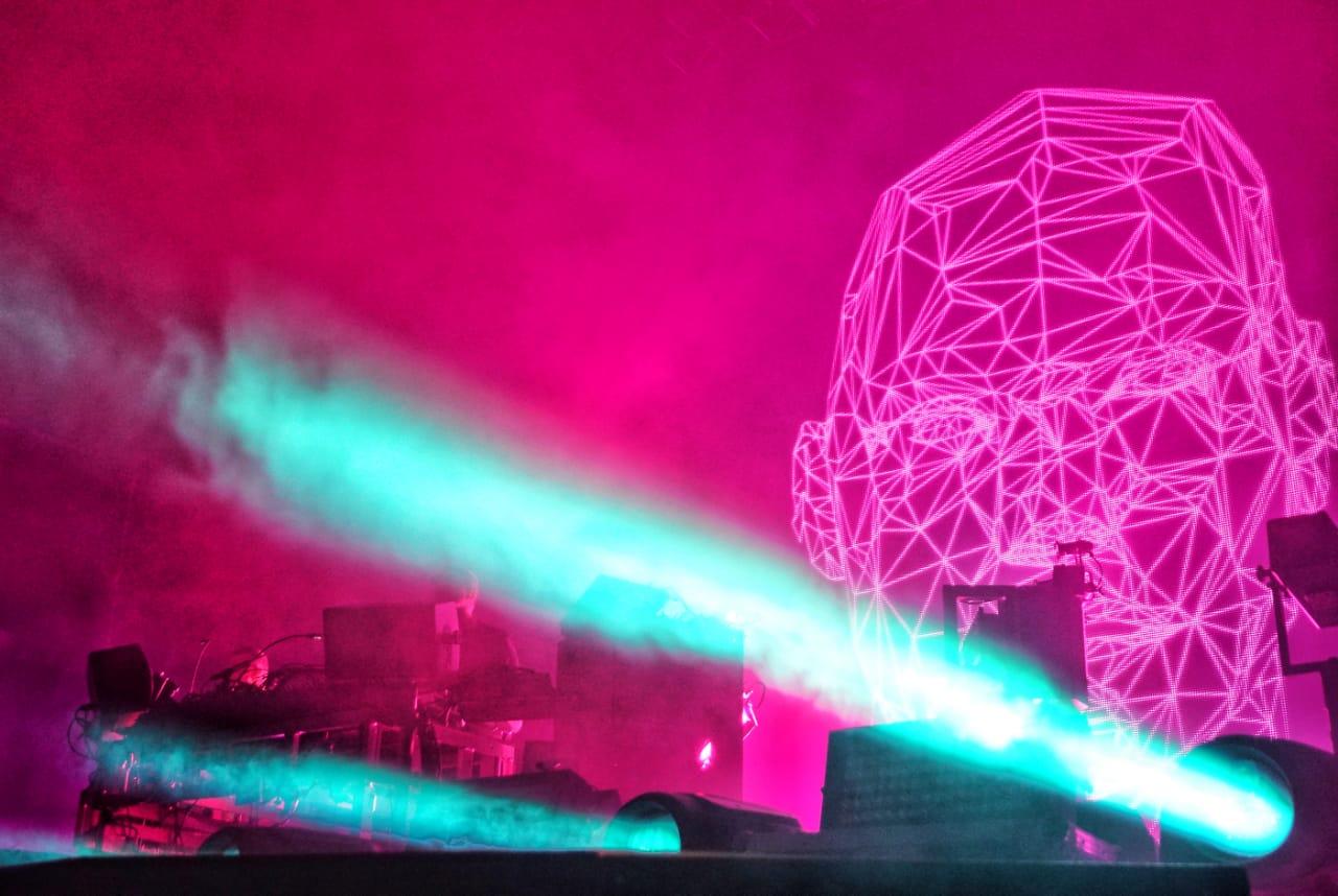 The Chemical Brothers fueron perfección en el Corona Capital 2018... pero en el escenario incorrecto