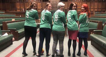 WTF! Diputadas armaron 'la reta' dentro del Parlamento Británico