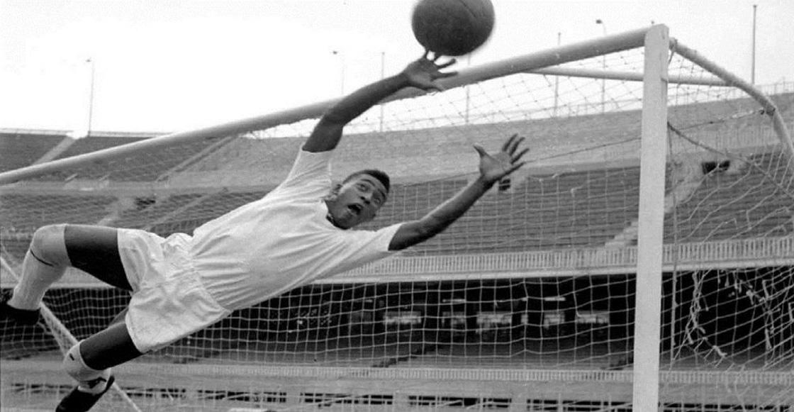¡Historia pura! El día que Pelé se convirtió en portero para llevar al Santos a una final