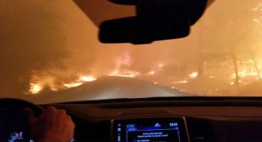 A través del fuego: Un hombre grabó su escape del incendio en California