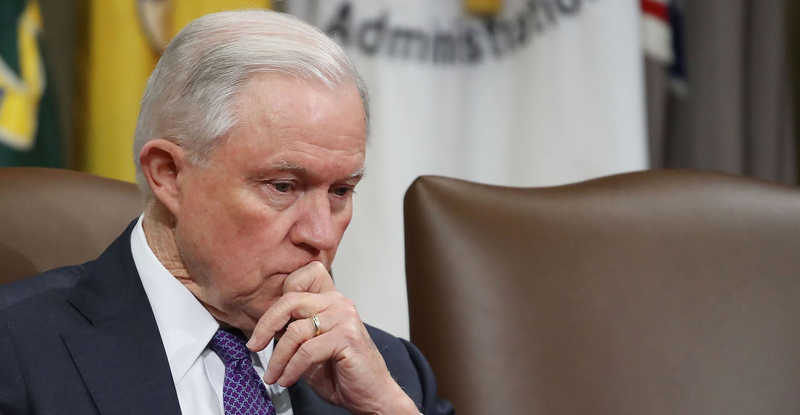 Jeff Sessions como fiscal general de EU a petición de Trump