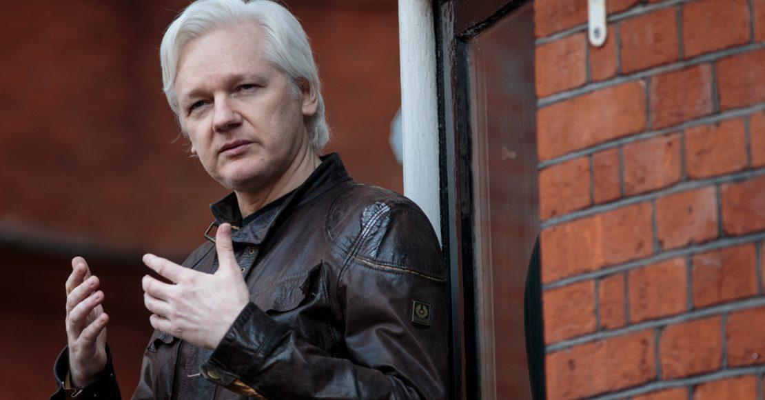 Fiscales de Estados Unidos habrían imputado cargos contra Assange: WP