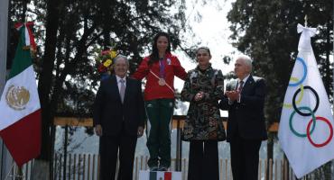 ¡Por fin! La mexicana Luz Acosta recibió medalla olímpica seis años después