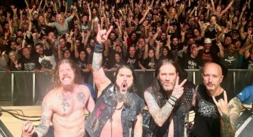 Corren a pareja de un concierto de Machine Head por tener sexo
