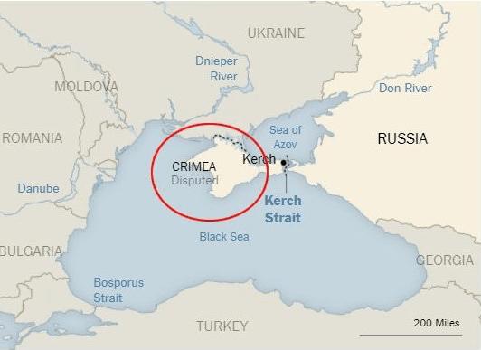 Rusia bombardea tres barcos de Ucrania en Crimea