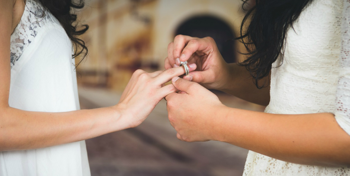Senado reconoce derechos de seguridad social para matrimonios homosexuales