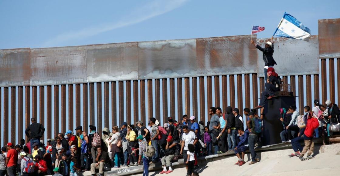 Fotos: Así fue el intento de los migrantes de entrar a Estados Unidos