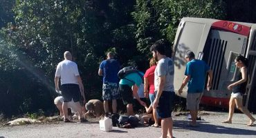 ¡Terrible accidente! Murieron 7 adolescentes que disputarían una final de futbol en Perú