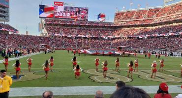 Polémica por la protesta de una porrista de los 49ers durante el juego contra Raiders