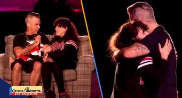 ¡Suertudota! Robbie Williams subió a una fan al escenario y esto fue lo que pasó