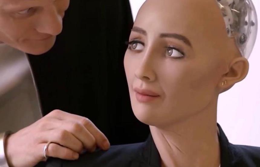 La humanoide 'Sophia' estuvo en México y no creerás lo que dijo