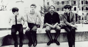 ¡Peter Hook subastará instrumentos y recuerdos de Joy Division y New Order!