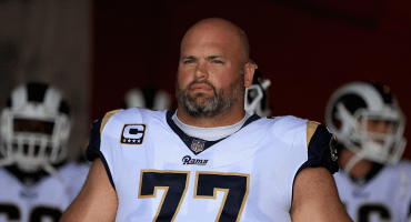 Jugador de los Rams donará su salario a las víctimas del tiroteo en Thousand Oaks