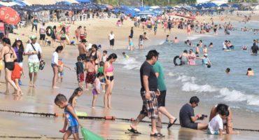 ¿Por qué son así? Tras megapuente, turistas dejan 110 toneladas de basura en Acapulco