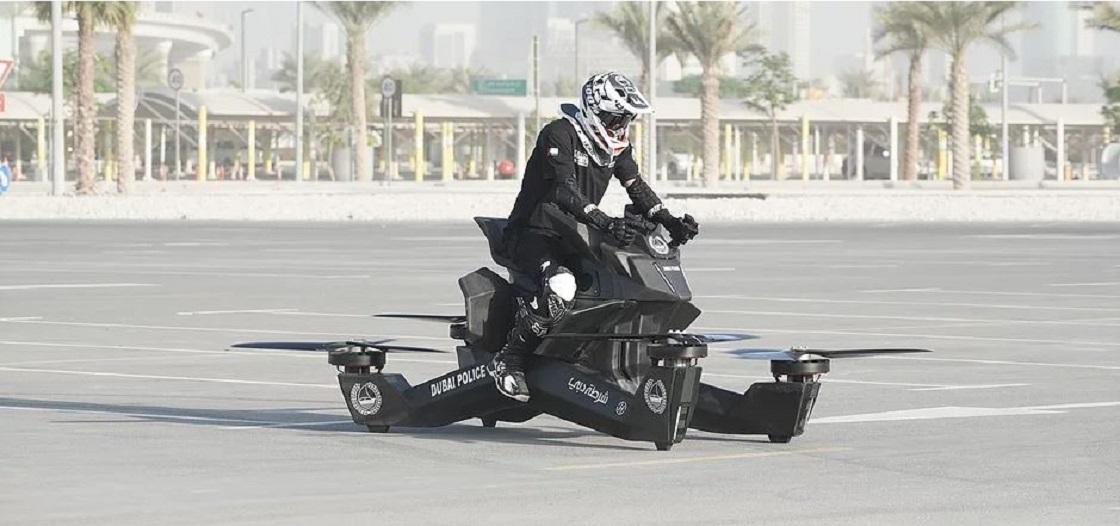Policía de Dubai experimentando con hoverbikes