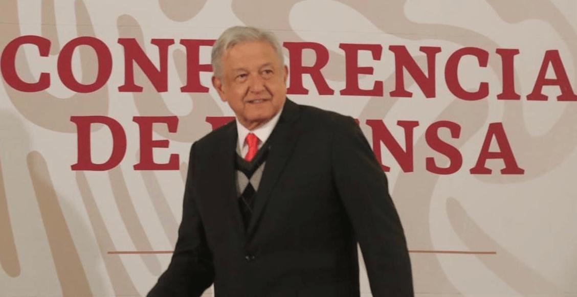 Ya afiliado a PENSIONISSSTE, AMLO anuncia reducción de las comisiones en Afores