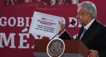 AMLO presume su primera quincena como presidente, devolvió a Tesorería 22 mil pesos
