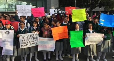 Caos vial en Periférico Sur; protestan por la reconstrucción de una secundaria
