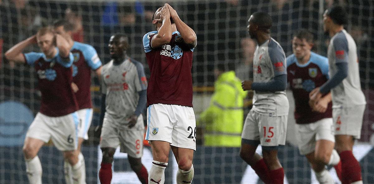 ¡De Europa al descenso! El contrastante cambio del Burnley en la Premier League