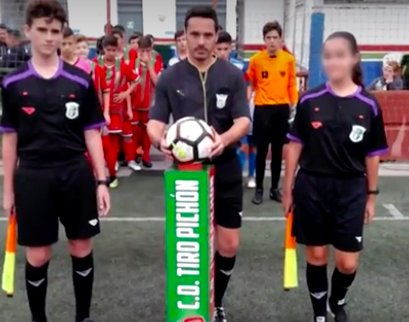 Árbitra se retira del futbol por amenazas de muerte... ¡de niños de 8 años!