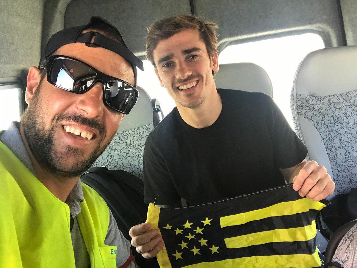 Antoine Griezmann llegó a su amado Uruguay… ¡y la gente lo recibió como héroe!