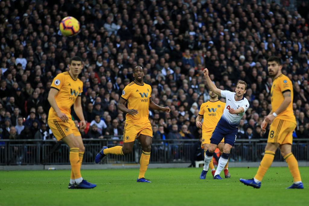 Raúl Jiménez y los Wolves despiden el año con dolorosa derrota ante Tottenham