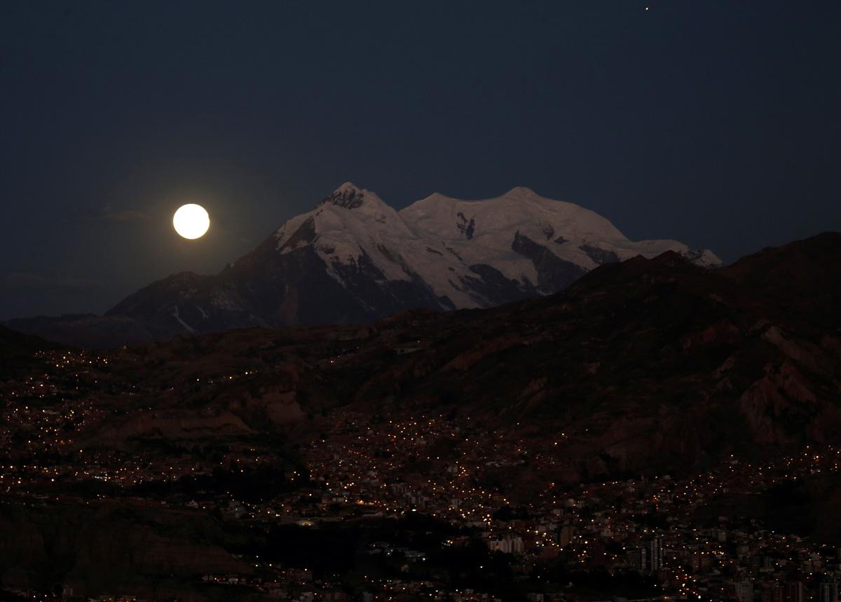 Luna Llena en La Paz, Bolivia