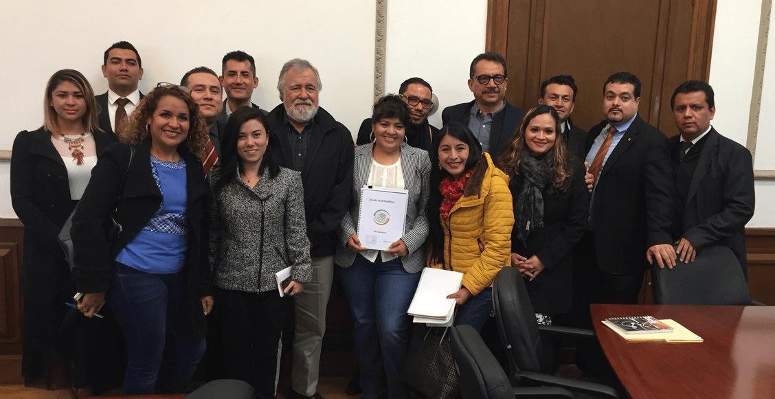 Nestora Salgado entrega lista de 199 presos políticos para amnistía