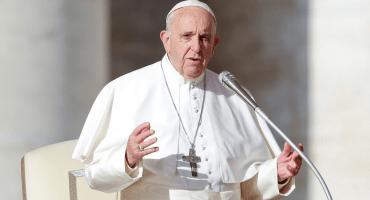 El papa Francisco pide a sacerdotes pederastas que se entreguen a la justicia civil