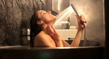 ¡Y ustedes sufriendo! Estudio dice que los baños con agua caliente queman calorías