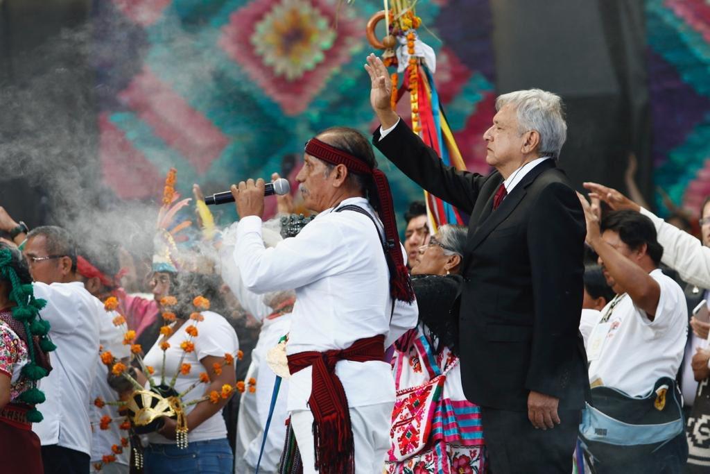amlo-ceremonia-indigena-entrega-baston-mando-02