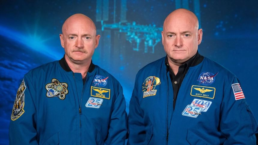 .@joeknix #CdrKelly pic.twitter.com/sAm2WFU7Ck— Scott Kelly (@StationCDRKelly) 26 de octubre de 2017